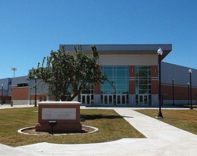 Спортивный зал университета штата Миссисипи «Delta Devils» звучит чертовски хорошо на L-Acoustics!