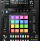 Повышая стандарты: Встречайте DJS-1000! Автономный DJ сэмплер с интуитивно-понятным интерфейсом и мощными функциями для импровизации.
