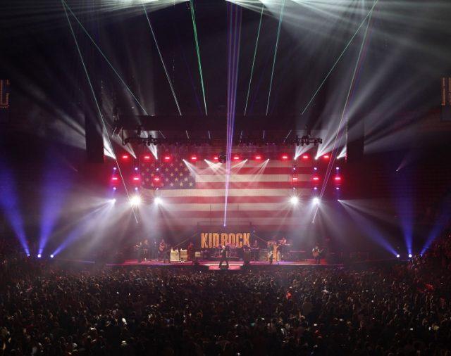 Kid Rock используют L-Acoustics на новой арене Little Caesars в Детройте.