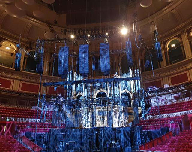 Первое развертывание иммерсивного гиперреального звука L-ISA в Великобритании для фанатов alt- J в «Royal Albert Hall»