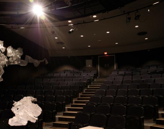 Усилители Dynacord и громкоговорители Electro-Voice серия EVC VI – инновационное решение для театра с круглой сценой!
