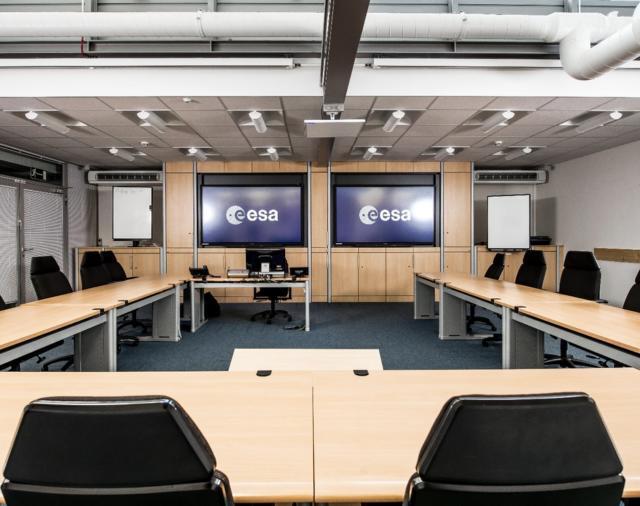 Международный Космический Исследовательский Центр ESA в Кёльне использует решения Shure Microflex® Advance™