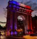 Бургундские ворота снова в центре внимания. Благодаря великолепной схеме освещения от Anolis