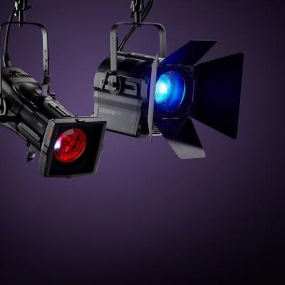 ETC представляет два новых театральных прожектора