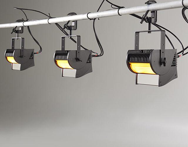 С новейшими LED световыми приборами компании ETC – ColorSource CYC- Вы забудете о постоянной замене дорогостоящих ламп и постоянной замене светофильтров