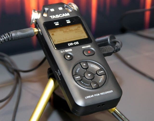 Представляем цифровой диктофон TASCAM DR-05V2
